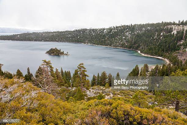 emerald bay in california - emerald bay lake tahoe stock pictures, royalty-free photos & images