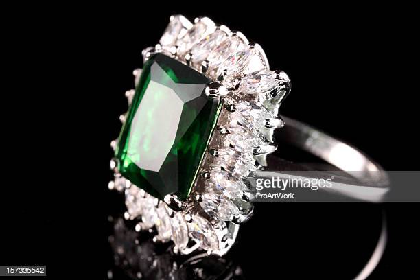 emerald diamond ring - emerald gemstone stock pictures, royalty-free photos & images