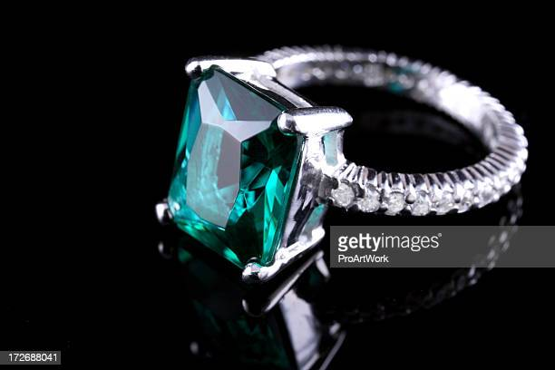 emerald diamond ring - precious gemstone stock pictures, royalty-free photos & images