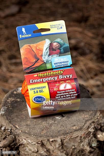 emergenc biwack oder blanket - erste hilfe hinweisschild stock-fotos und bilder