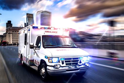 Emergency in downtown London 673209194