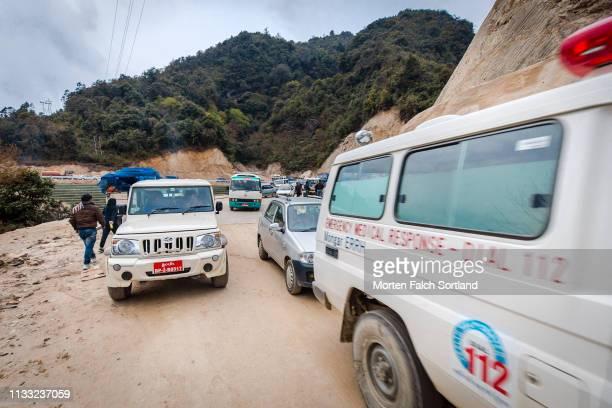 emergency in trongsa, bhutan - trongsa district stockfoto's en -beelden
