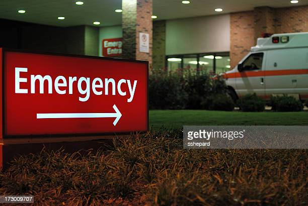 emergency room entrance sign with ambulance - emergencies and disasters stock pictures, royalty-free photos & images