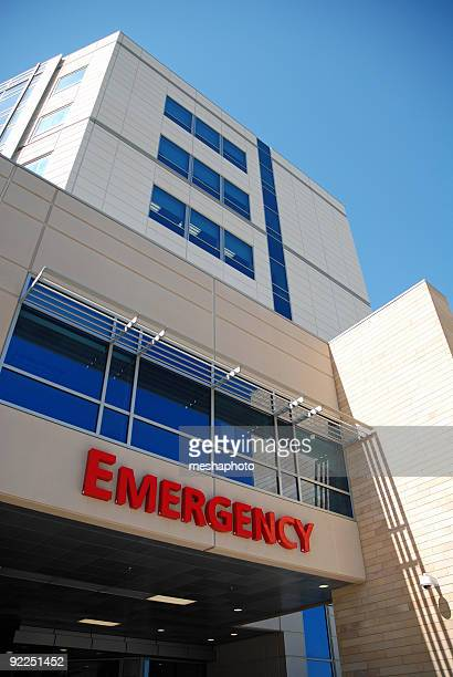 emergency room - entrance sign stock pictures, royalty-free photos & images