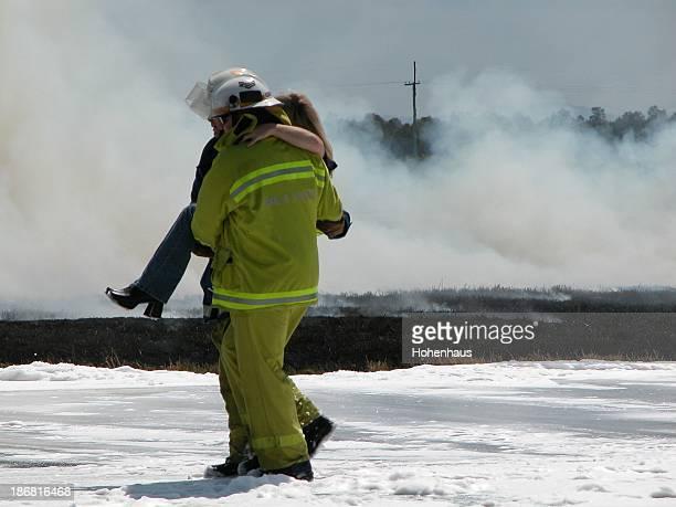 Travailleurs femme de sauvetage d'urgence