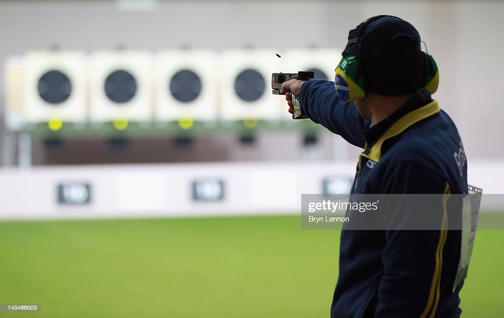 ISSF Shooting World Cup - LOCOG Test Event for London 2012: Day Nine : ニュース写真