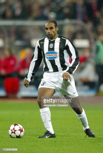 Emerson Ferreira da Rosa of Juventus in action during the Serie A 2004-05, Italy.