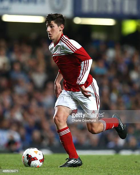 Emerson Hyndman of Fulham looks to attack during the FA Youth Cup Final Second Leg match between Chelsea v Fulahm at Stamford Bridge on May 05 2014...