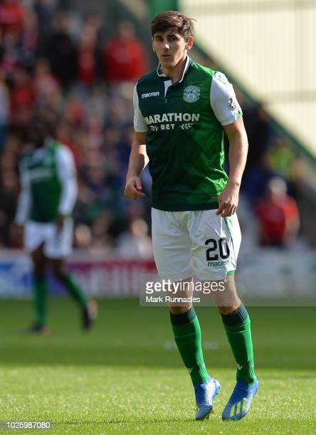 Emerson Hyndman of Hibernian in action during the Scottish Premier League match between Hibernian and Aberdeen at Easter Road on August 25 2018 in...