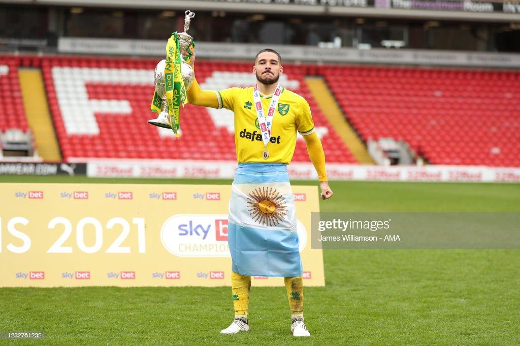 Barnsley v Norwich City - Sky Bet Championship : ニュース写真