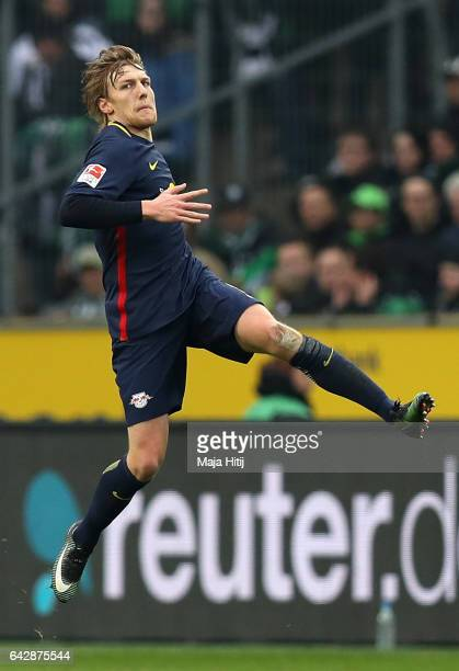 Emil Forsberg of Leipzig celebrates scoring the opening goal during the Bundesliga match between Borussia Moenchengladbach and RB Leipzig at...