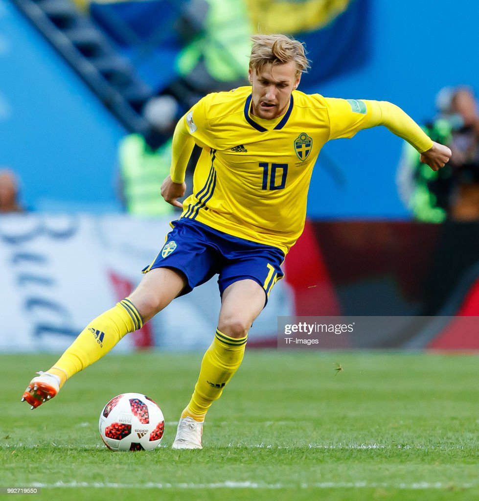Sweden v Switzerland: Round of 16 - 2018 FIFA World Cup Russia : News Photo