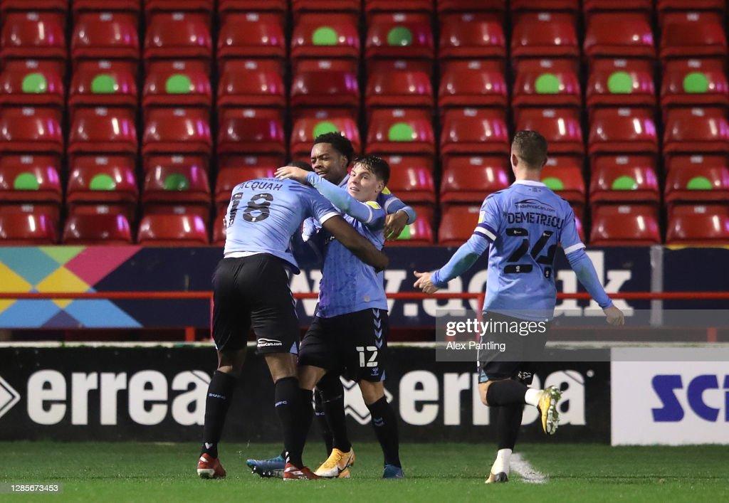 Walsall v Southend United - Sky Bet League Two : News Photo