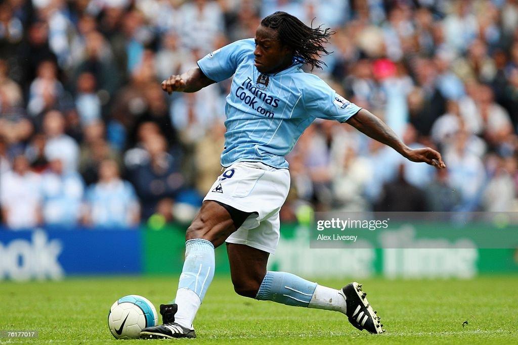 Manchester City v Manchester United -  Barclays Premier League : News Photo