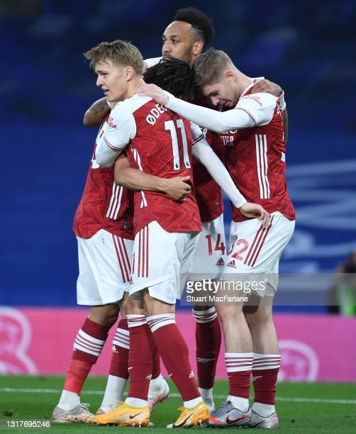 Emile Smith Rowe celebrates scoring the Arsenal goal with Martin Odegaard, Mo Elneny and Pierre-Emerick Aubameyang during the Premier League match...
