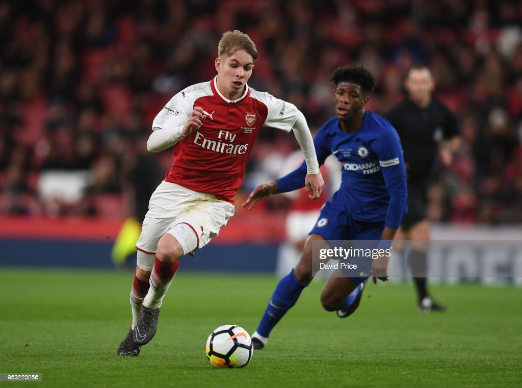 Emile Smith Rowe Of Arsenal Takes On Jon Panzo Of Chelsea During The News Photo Getty Images
