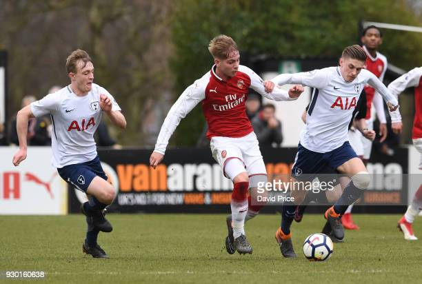 Emile Smith Rowe of Arsenal takes on Oliver Skipp and Joe Pitchard of Tottenham during the match between Arsenal and Tottenham Hotspur at Meadow Park...