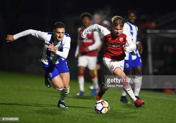 Emile SmithRowe of Arsenal takes on Diogo Dalot of Porto during the match between Arsenal U23 and Porto at Meadow Park on November 17 2017 in...