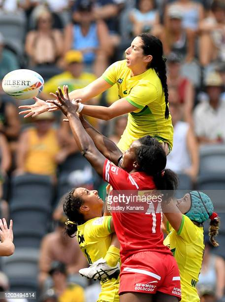 Emilee Cherry of Australia competes at the lineout during the 2020 Sydney Sevens semi final match between Australia and Canada at Bankwest Stadium on...