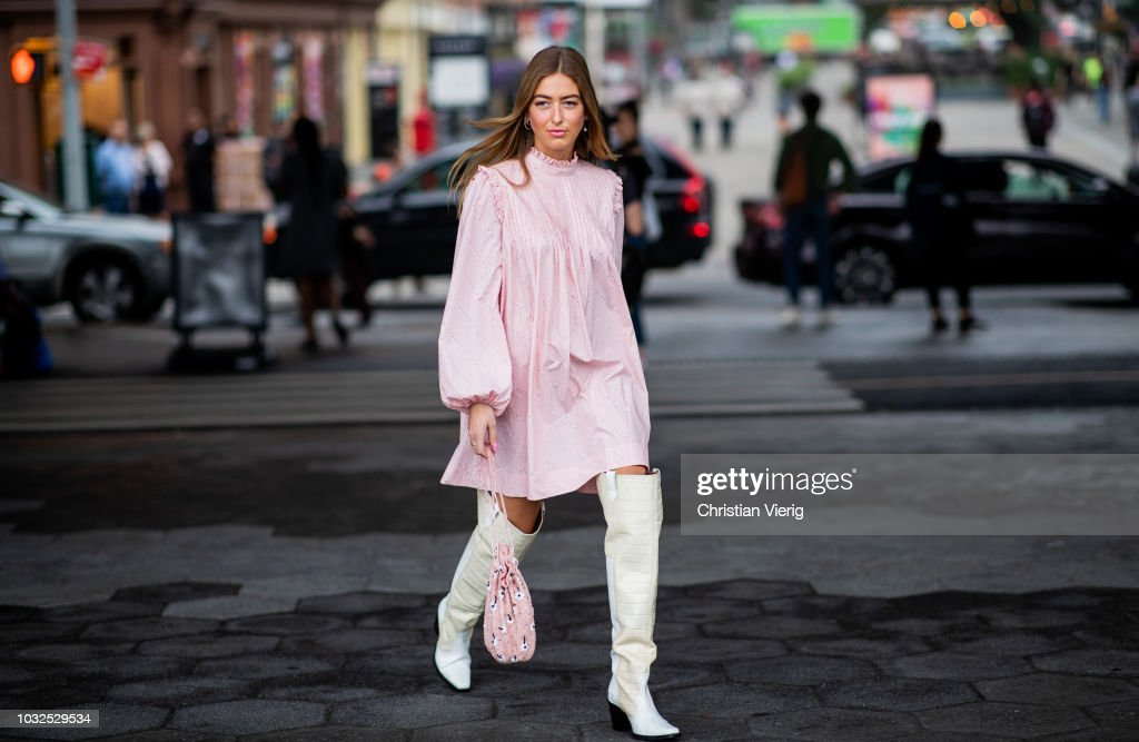 Street Style - New York Fashion Week September 2018 - Day 8 : Photo d'actualité