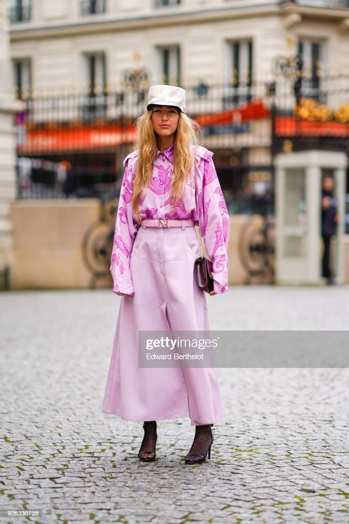 Nina Ricci : Outside Arrivals - Paris Fashion Week Womenswear Fall/Winter 2018/2019 : News Photo