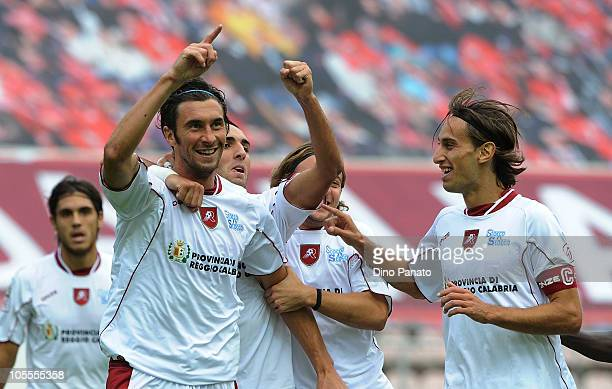 Emiliano Bonazzoli of Reggina celebrates with his team mates after scoring their second goal during the Serie B match between US Triestina Calcio v...