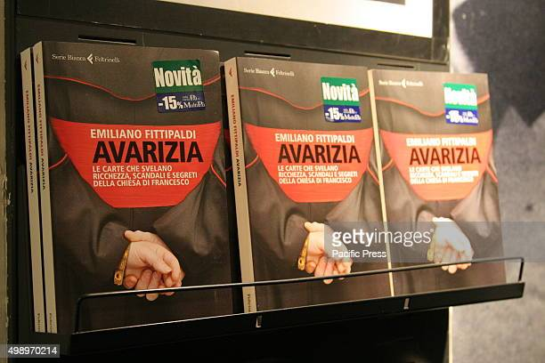Emiliano Fittipaldi in Napoli presents the book 'Avarizia' which reveals the secrets of the Vatican the cards reveal wealth scandals and secrets of...