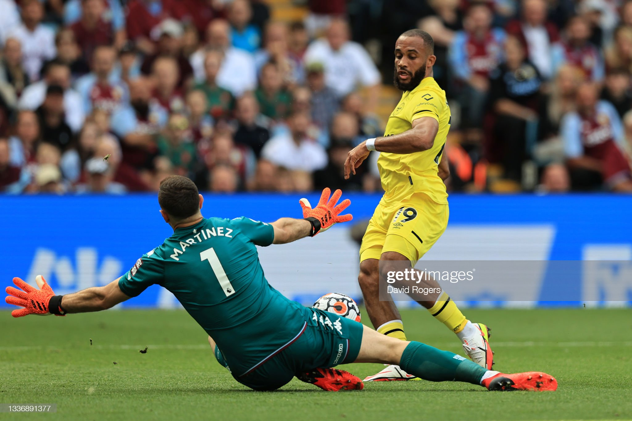 IMAGE(https://media.gettyimages.com/photos/emiliano-martinez-of-aston-villa-saves-form-bryan-mbeumo-of-brentford-picture-id1336891377?s=2048x2048)