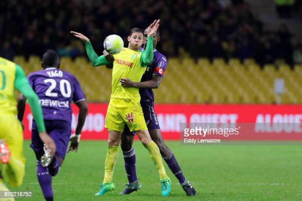 Emiliano Sala of Nantes and Issa Diop of Toulouse during the Ligue 1 match between Nantes and Toulouse at Stade de la Beaujoire on November 4 2017 in...
