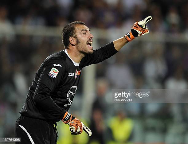 Emiliano Viviano of ACF Fiorentina during the Serie A match between ACF Fiorentina and FC Juventus at Stadio Artemio Franchi on September 25 2012 in...