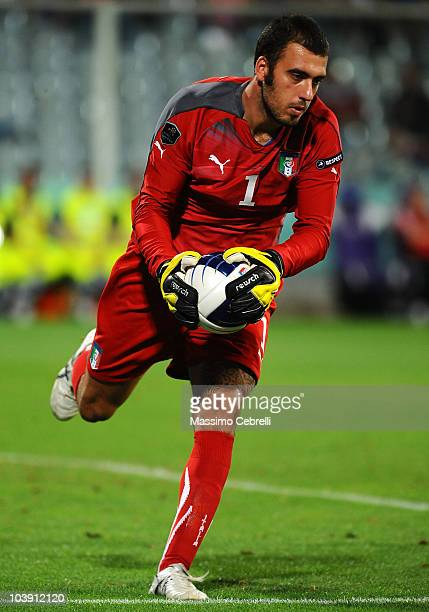 Emiliano Viviano of Italy in action during the Euro 2012 qualifying match between Italy and Faroe Islands at Stadio Artemio Franchi on September 7...