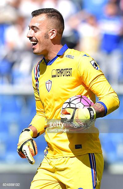 Emiliano Viviano of UC Sampdoria celebrates after saving a penalty during the Serie A match between UC Sampdoria and SS Lazio at Stadio Luigi...