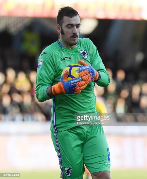 Emiliano Viviano of UC Sampdoria in action during the serie A match between Benevento Calcio and UC Sampdoria at Stadio Ciro Vigorito on January 6...