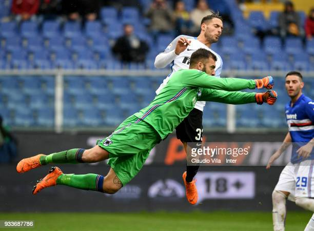Emiliano Viviano of UC Sampdoria in action during the serie A match between UC Sampdoria and FC Internazionale at Stadio Luigi Ferraris on March 18...