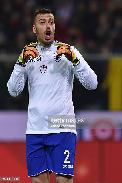 Emiliano Viviano of UC Sampdoria reacts during the Serie A match between Genoa CFC and UC Sampdoria at Stadio Luigi Ferraris on January 5 2016 in...