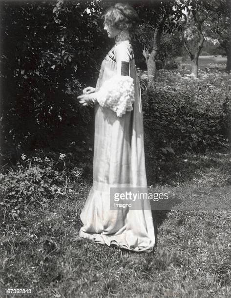 Emilie Floege in a reform dress Summer Dress Brauhof Litzlberg Lake Attersee Photograph by Gustav Klimt About 1906 Emilie Flöge in einem von Gustav...