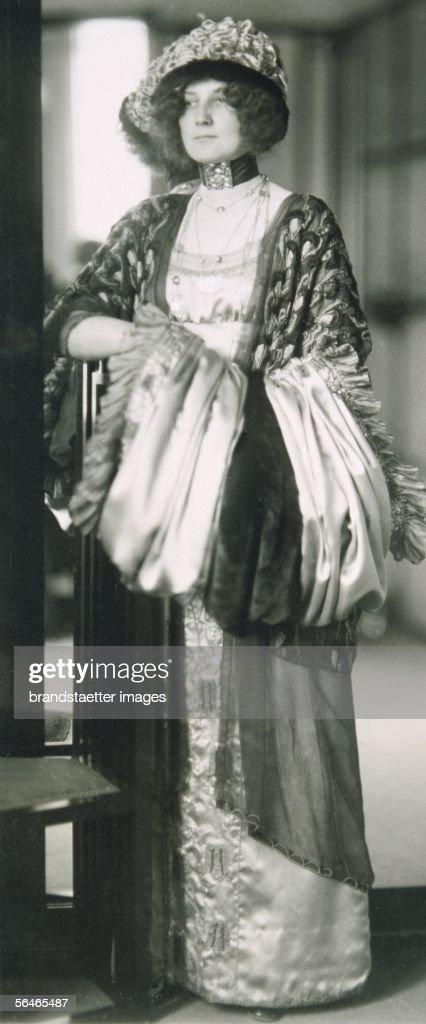 Archive Fashion: Mr Selfridge - Edwardian Style In Profile