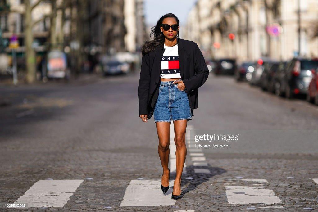 Fashion Photo Session In Paris - March 2021 : Photo d'actualité