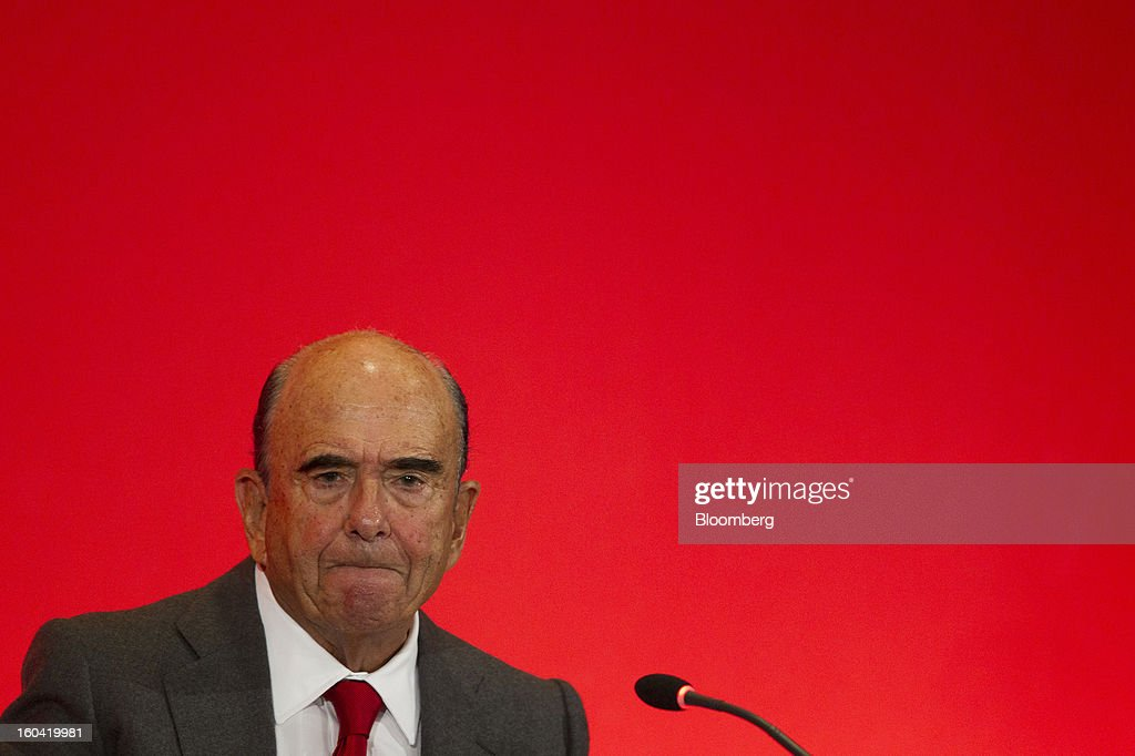 Emilio Botin, chairman of Banco Santander SA, pauses during a news conference in Madrid, Spain, on Thursday, Jan. 31, 2013. Banco Santander SA posted a fourth-quarter profit that missed analyst estimates as Spain's biggest lender set aside money for further loan losses in its home market and earnings slumped in Brazil and Britain. Photographer: Angel Navarrete/Bloomberg via Getty Images