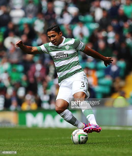 Emilio Izaguirre of Celtic controls the ball during the Scottish Premiership League Match between Celtic and Dundee United, at Celtic Park on August...