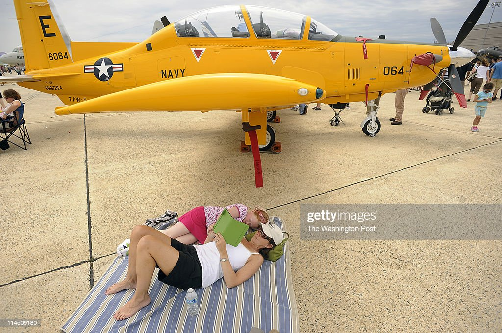 2011 Joint Service Open House and Air Show - Joint Base Andrews Naval Air Facility Washington, MD : News Photo