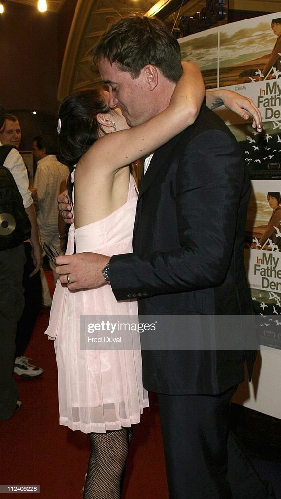 """""""In My Father's Den"""" London Premiere - Arrivals : News Photo"""