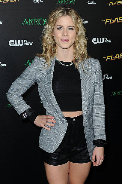 fotos und bilder von special screening for the cw 39 s arrow and the flash getty images. Black Bedroom Furniture Sets. Home Design Ideas