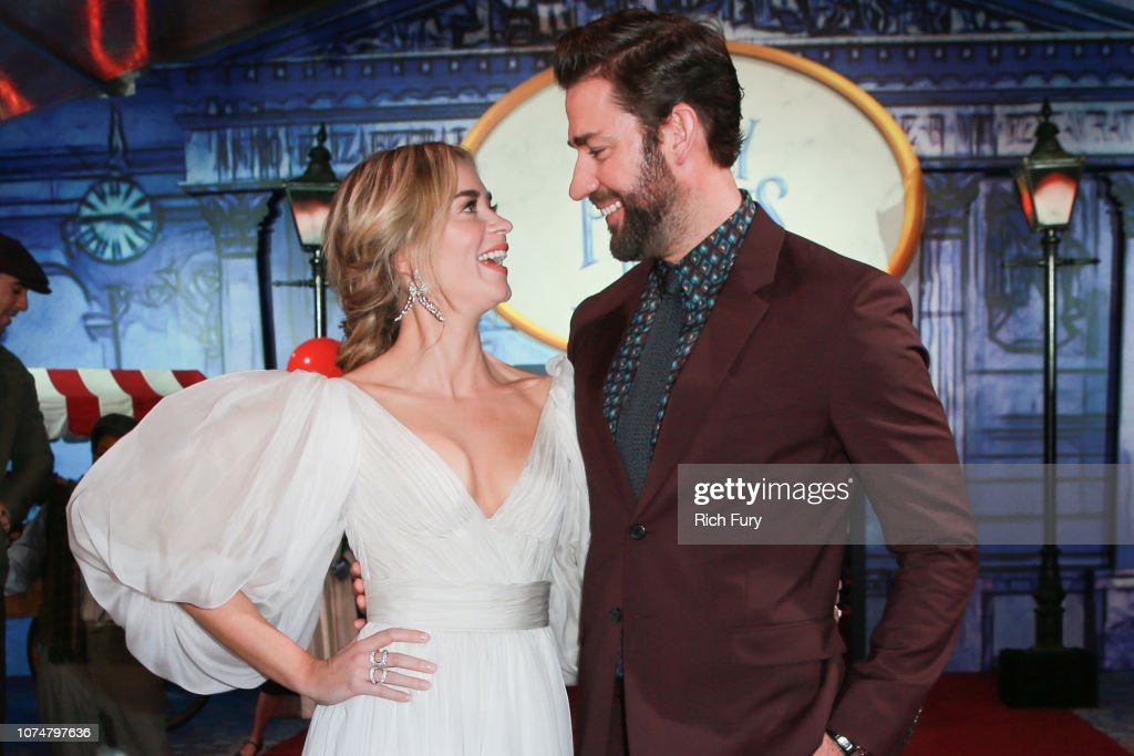"Premiere Of Disney's ""Mary Poppins Returns"" - Red Carpet : News Photo"
