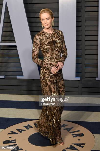 Emily Blunt attends the 2018 Vanity Fair Oscar Party Hosted By Radhika Jones Arrivals at Wallis Annenberg Center for the Performing Arts on March 4...