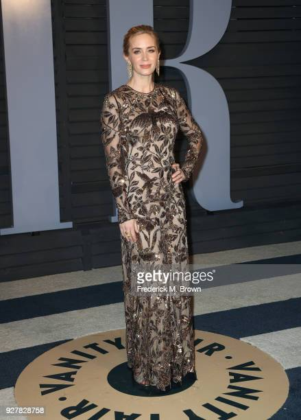 Emily Blunt attends the 2018 Vanity Fair Oscar Party hosted by Radhika Jones at Wallis Annenberg Center for the Performing Arts on March 4 2018 in...