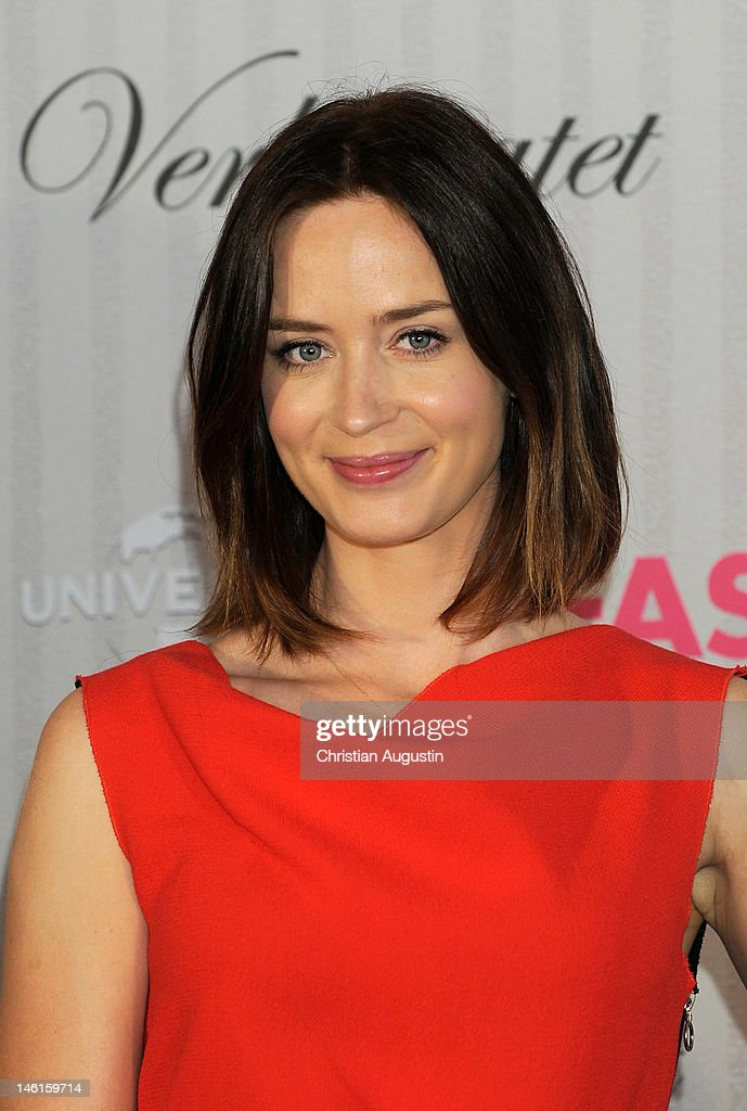 Emily Blunt attends 'The Five-Year Engagement' Photocall (Fast verheiratet) at Hotel Park Hyatt on June 11, 2012 in Hamburg, Germany.