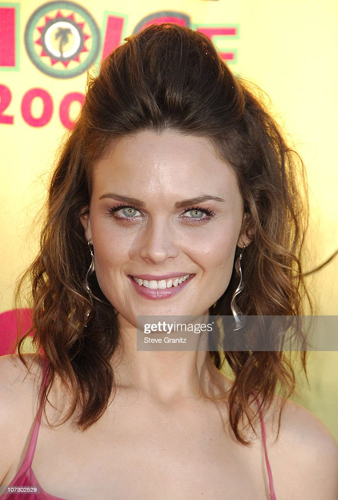 Emily Deschanel during 2006 Teen Choice Awards - Arrivals at Gibson Amphitheatre in Universal City, California, United States.