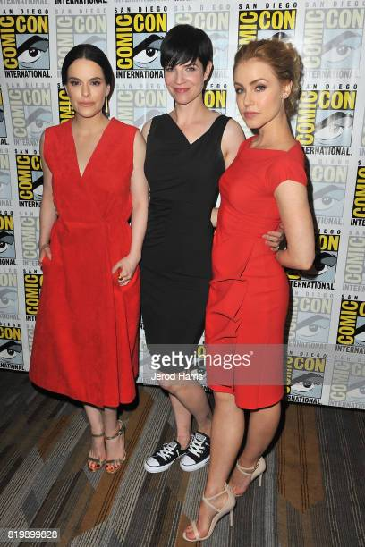 Emily Hampshire Alisen Down and Amanda Schull attend '12 Monkeys' press line at ComicCon International 2017 Day 1 on July 20 2017 in San Diego...