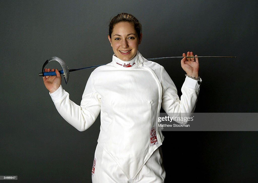 Emily Jacobson saber fencer nude (48 photo), Tits, Paparazzi, Instagram, legs 2006